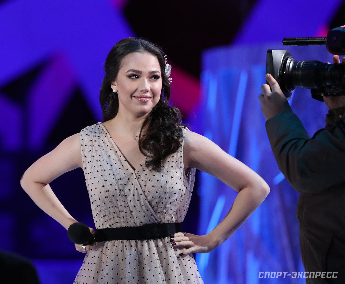 Загитова рассказала, почему ей трудно работать на ТВ — Новости Фигурного  катания — Зимние - Спорт Mail.ru