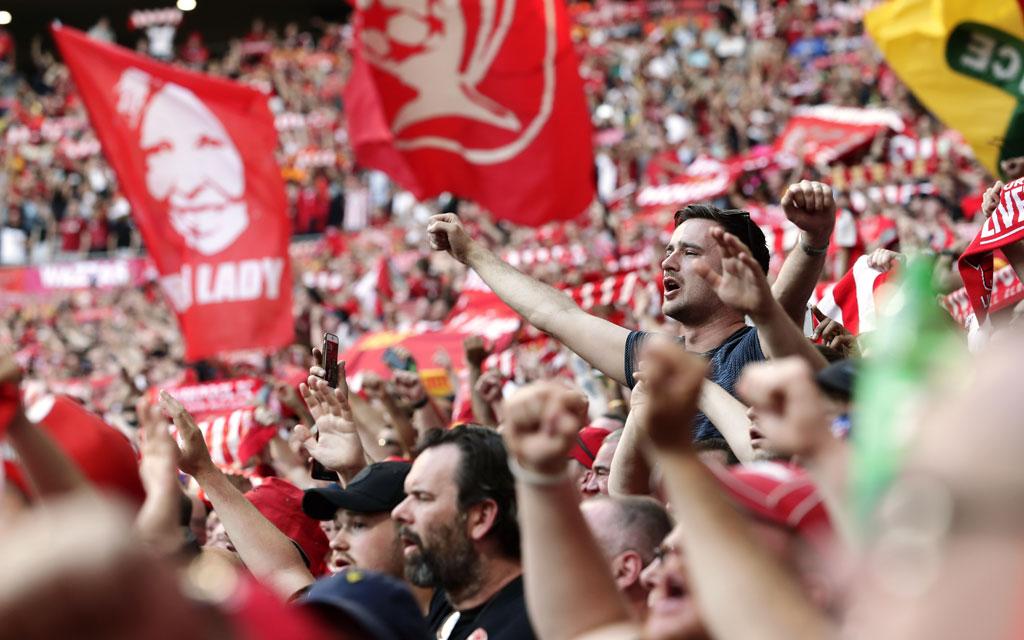 Фанаты ливерпуля подкололи эвертон