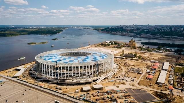 Нанижегородском стадионе смонтировали кровлю над зрительскими трибунами