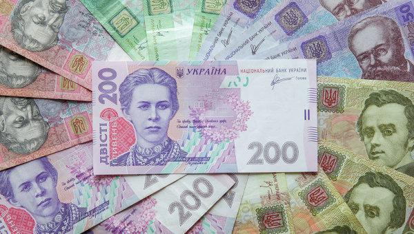 Курс доллара укрепился в понедельник