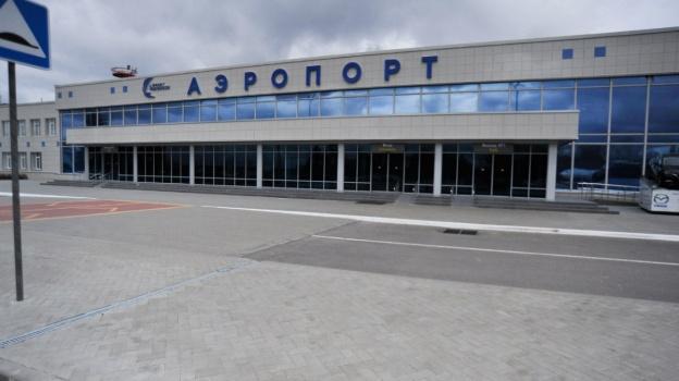 Воронежский аэропорт пару часов недает взлет самолету вГрозный