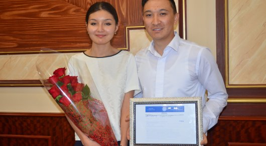 Молодожены из Актау пригласили на свадьбу президента Казахстана