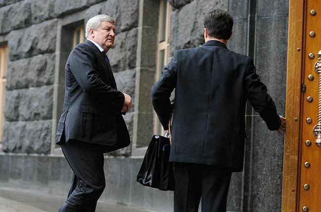 ГПУ вызвала надопрос экс-министра обороны Ежеля