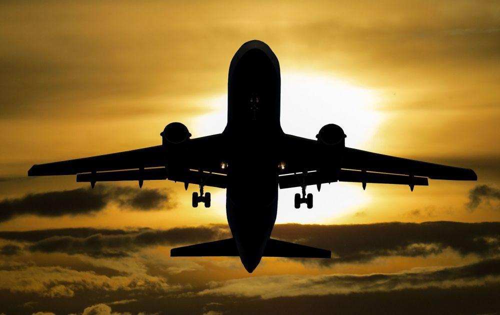 Беларусь рекомендовала иностранным авиакомпаниям не летать через Украину - Новости Mail.ru
