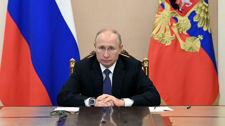 Путин поздравил Санду с победой на президентских выборах в Молдавии