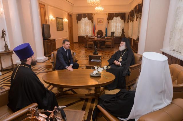 Спикер ЗакСа встретился спатриархом Александрийским ивсей Африки