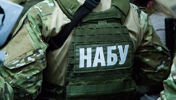НаЛьвовском бронетанковом заводе, куда приедет Порошенко, НАБУ проводит задержания