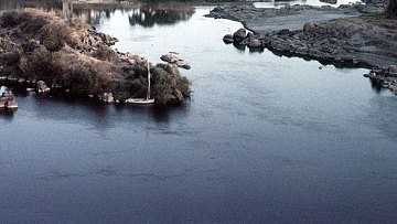 nile river water problem It is people's ignorance of the fact of the nile river and that the source of water they got rid of the bodies of dead farm animals .