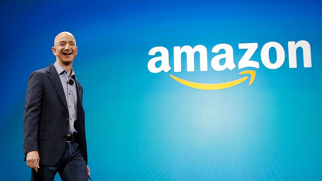 Bloomberg назвало Безоса богатейшим человеком в современной истории