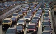 """В """"Казавтожол"""" объяснили километровые пробки на трассе Астана - Боровое"""