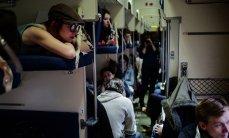 main33979160 4ad34ed44c75156aedc6b8b134dfd4bb - День железнодорожника: мифы о вагонах, белье и ценах на билеты