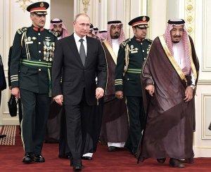 Путин подарил королю Саудовской Аравии камчатского кречета