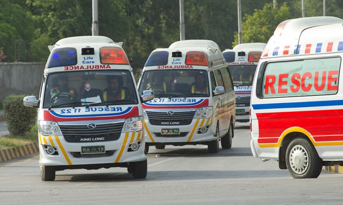 Неменее как минимум 15 человек погибли в итоге взрыва наюго-западе Пакистана