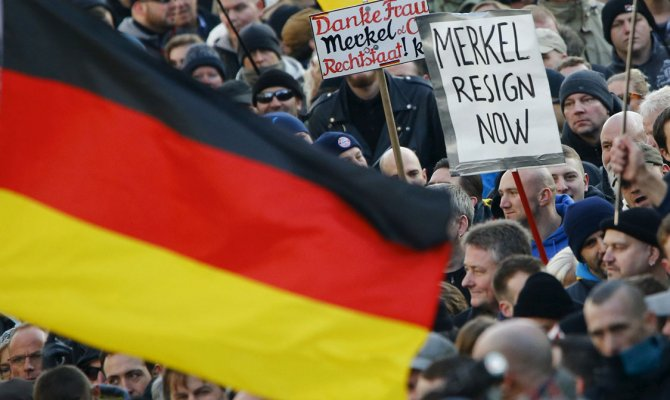Меркель отменила поездку на экономический форум в Давосе из-за ситуации с мигрантами