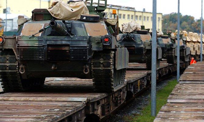 Пентагон заявил о переброске американских танков к границам России