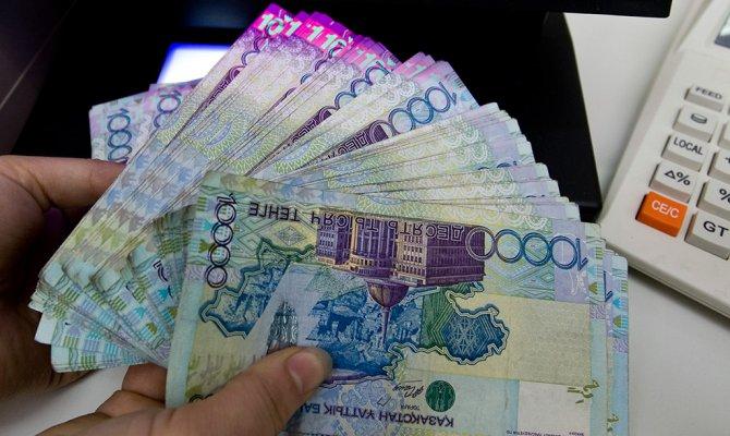 Эксперты рассказали о четырех сценариях дедолларизации экономики