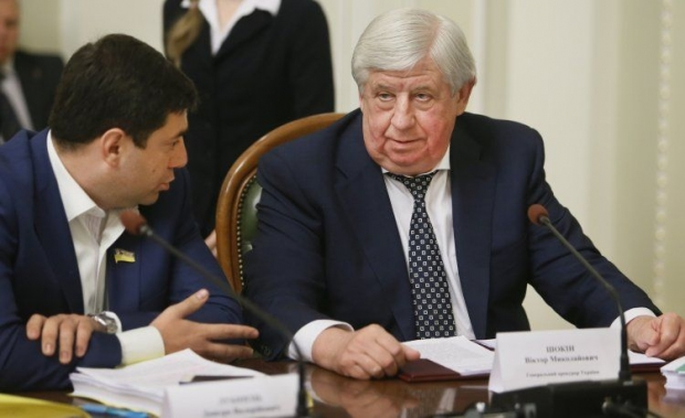 Порошенко пообещал собственной фракции вРаде втрехмесячный срок сократить Яценюка