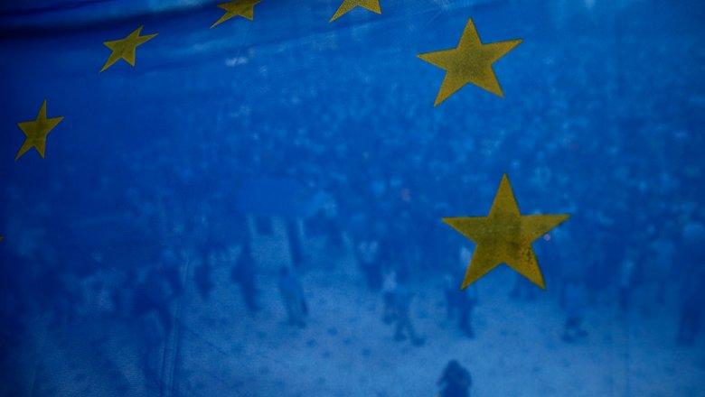 Европарламент неопределится сотменой виз для украинцев