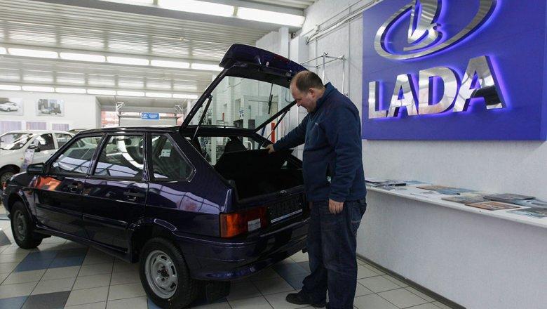Для граждан России облегчили перевод машин нагаз