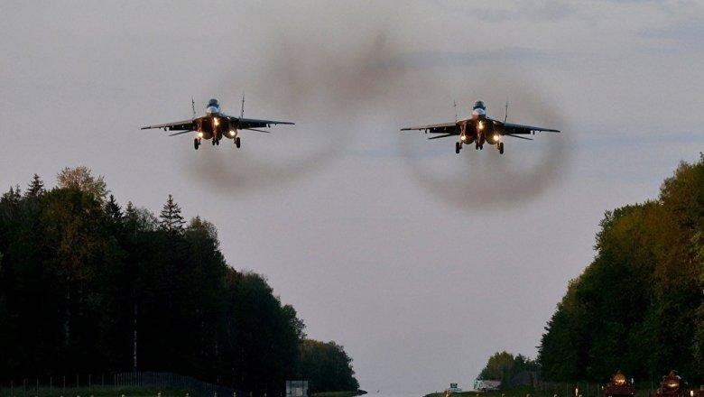 Лукашенко подарил Сербии 4 истребителя