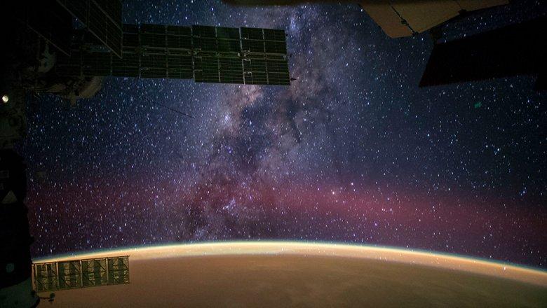Guardian: микробы на борту космических кораблей могут быть опаснее радиации и невесомости