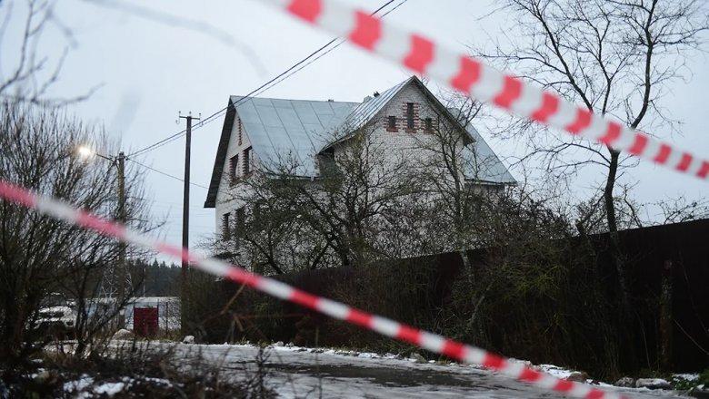 После обнаружения под Гатчиной арсенала оружия возбуждено два дела