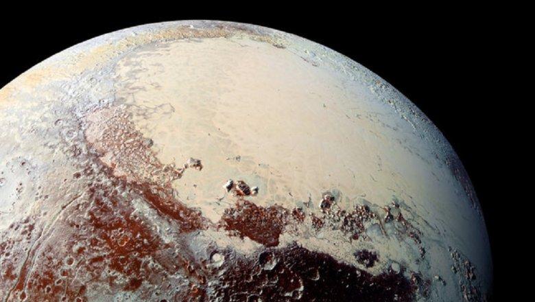 Плутон может являться скоплением маленьких комет,— ученые