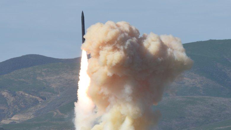 КНДР показала, как она будет бомбить США: видео поражает