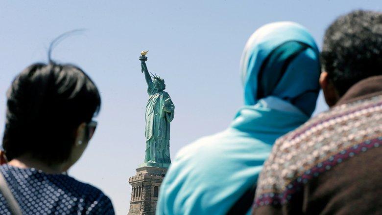 Один из основных  символов США— Статую Свободы— закрыли для гостей