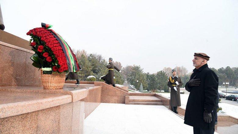 Руководитель Афганистана начинает визит вУзбекистан