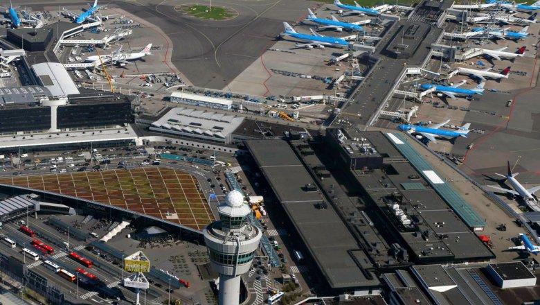 Ваэропорту Амстердама впроцессе специализированной операции задержаны несколько человек