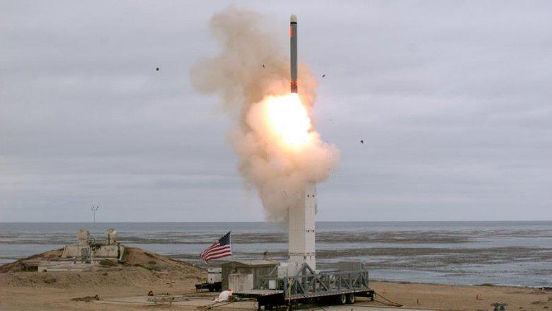 США развернут в Европе и Азии то же число ракет средней и меньшей дальности, что РФ и КНР