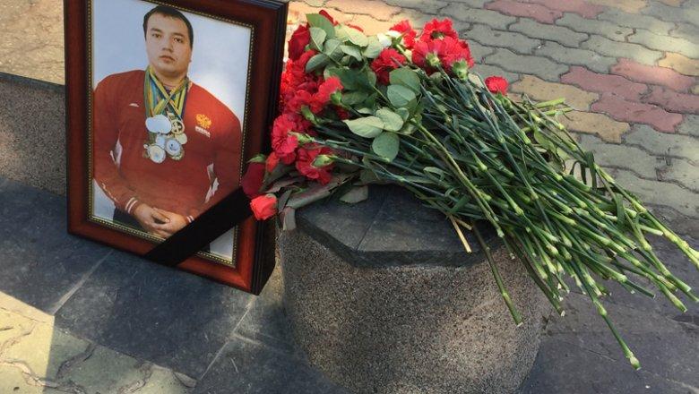 Уволен сотрудник милиции, который был очевидцем убийства пауэрлифтера вХабаровске