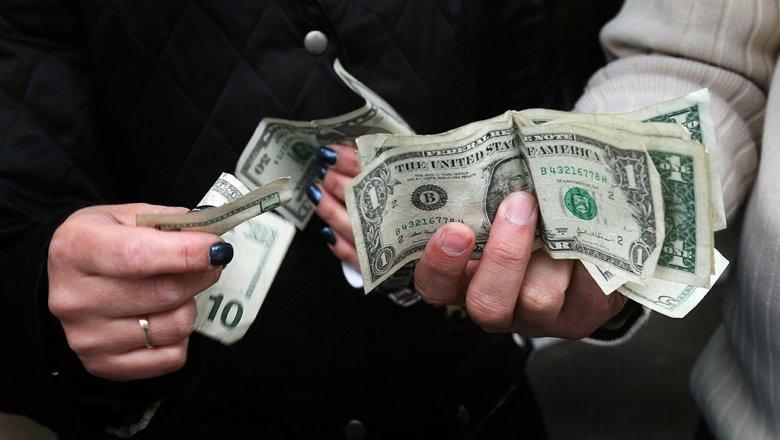 Нацбанк объяснил падение рубля и нехватку долларов