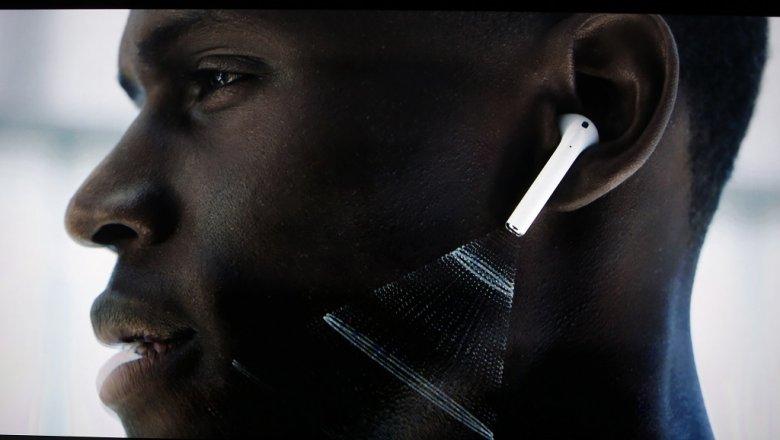 Руководитель Apple пояснил, почему беспроводные наушники непотеряются