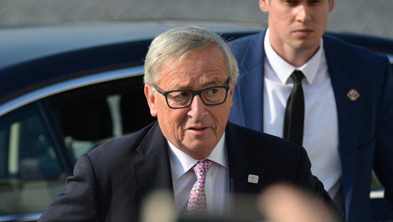 Spiegel поведал, как Юнкер разозлил Меркель после встречи встолице Англии