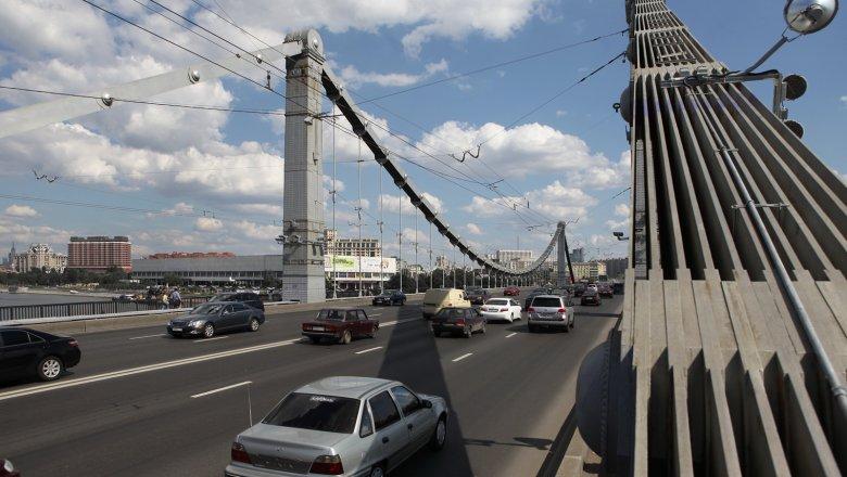 Количество полос увеличат навнешней стороне Крымского моста