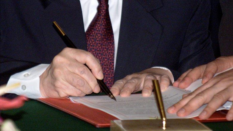 ВПриморье сократили вице-губернатора, подозреваемого впревышении полномочий