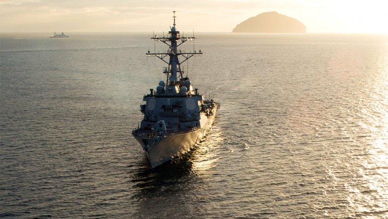 Fox: эсминец ВМС США привел вготовность вооружения при приближении иранского корабля