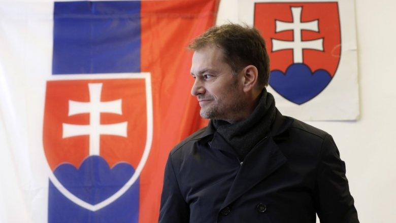 Премьер Словакии предложил главе Минфина поменяться должностями