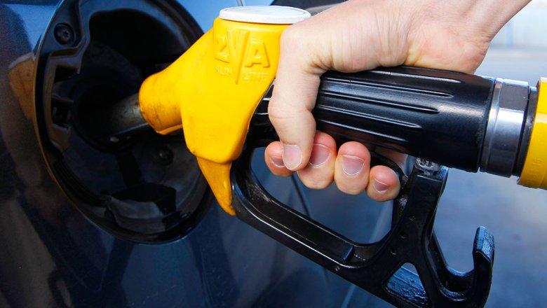 В Челябинске снова выросли цены на бензин
