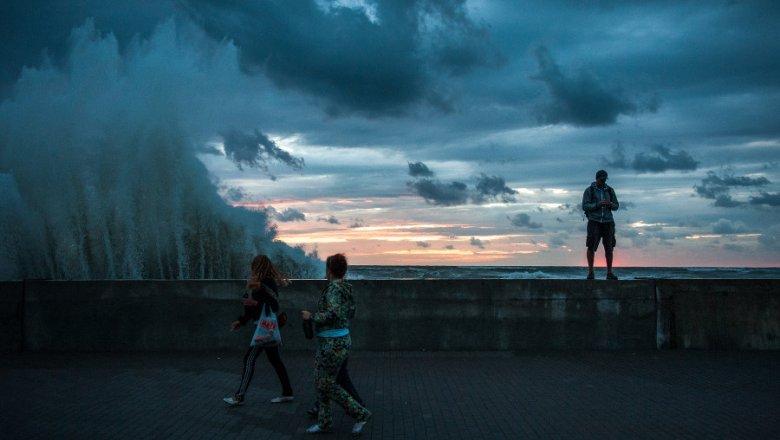 Угроза смерчей над темным морем сохранится доконца 31августа— МЧС