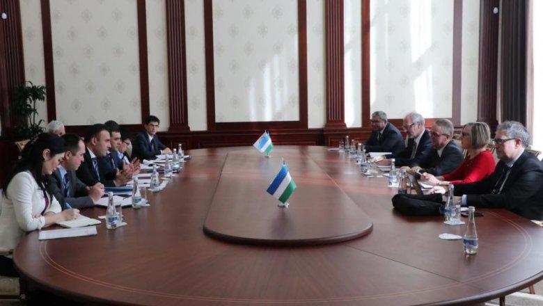 АБР поможет Узбекистану с выпуском облигаций в нацвалюте