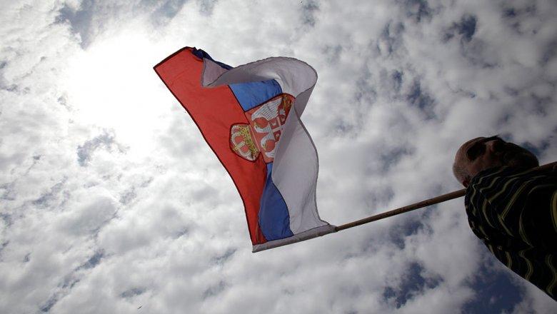 Власти Сербии опровергли высылку граждан России