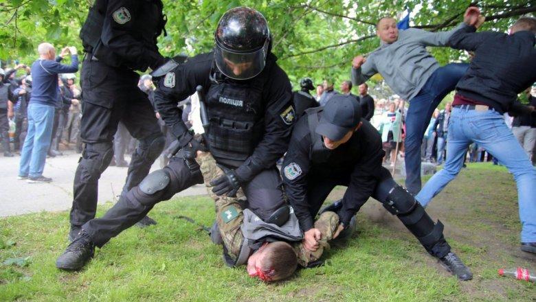 День победы вУкраинском государстве: вовремя массовых мероприятий задержали 50 человек