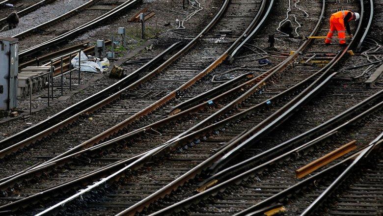 ВСамарской области из-за поломки рельса был схвачен пассажирский поезд