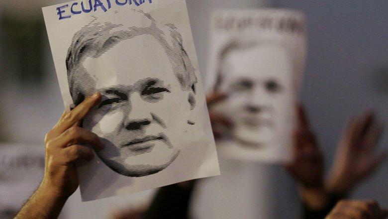 ВМИД Эквадора порекомендовали Ассанжу сдаться США