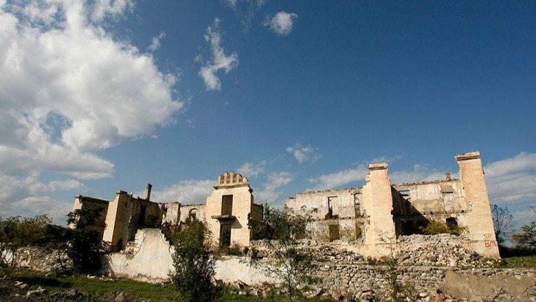 Армения перебросила вНагорный Крабах «Смерчи» и«Точки У»