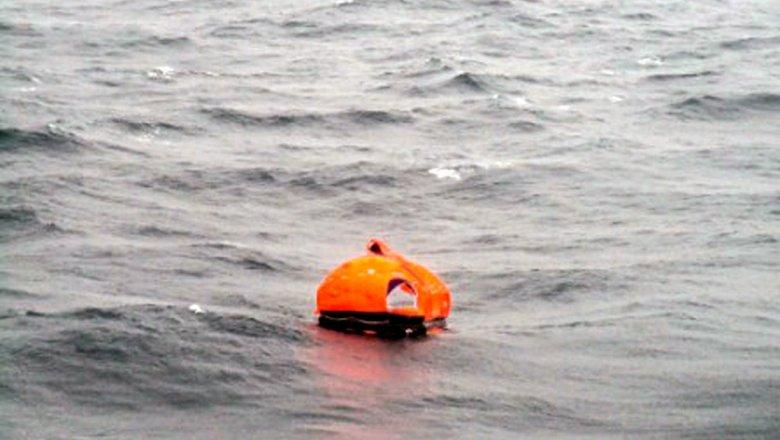 Самолеты МЧС возобновили поиски судна «Восток»