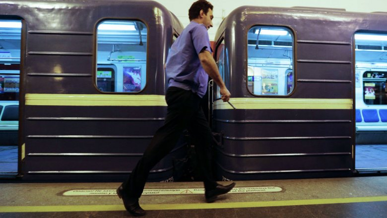 Метро «Улица Дыбенко» закрыли навход ивыход
